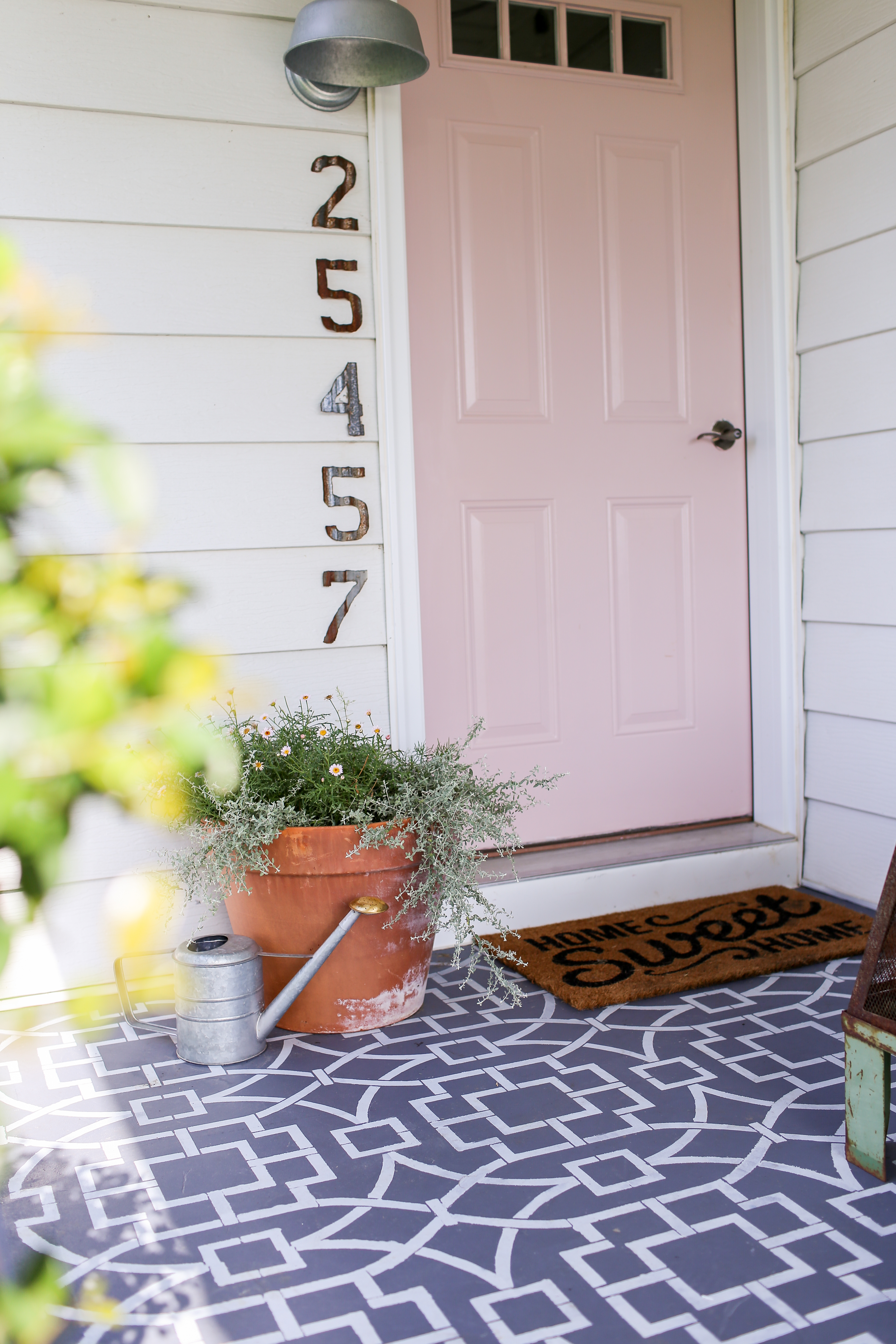 Comfortable Farmhouse Front Porch Makeover