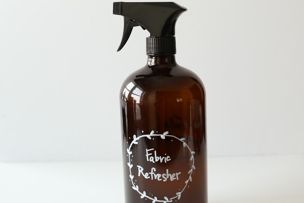 DIY fabric refresher spray. Create your own room refresher using baking soda and essential oils, in under 5 minutes! homestead128.com