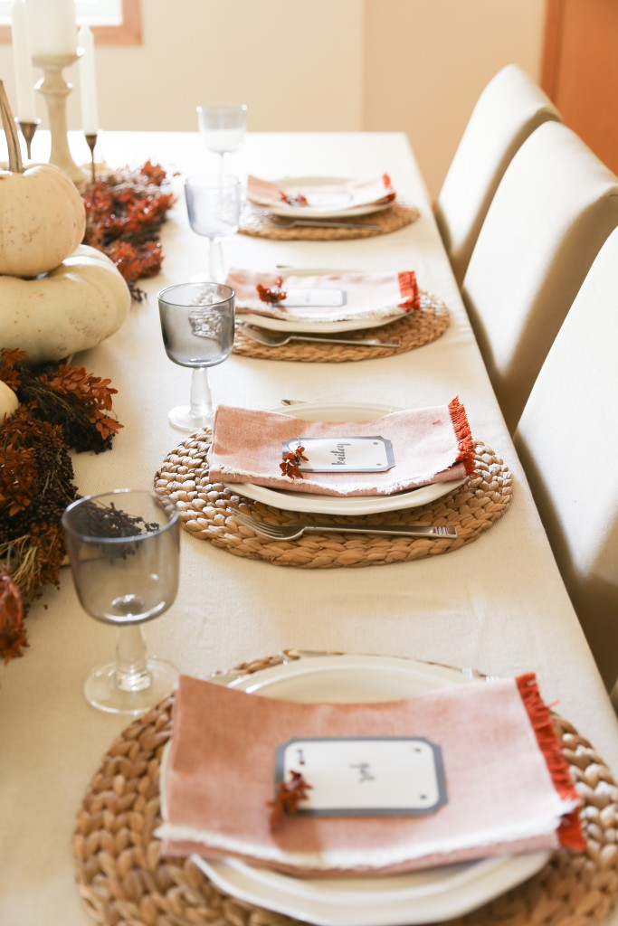 thanksgiving-table-1-of-12